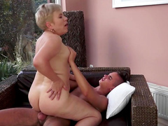 Facial to end mature's filthy adventure