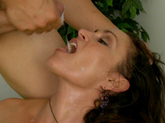 Raven Lechance makes a professional blowjob
