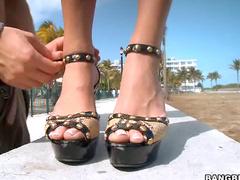 Admire those sexy feet
