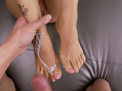 Gorgeous baroness with long leg likes to do foot job