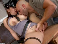 Gorgeous brunette wants her amateur prisoner
