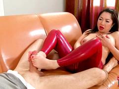 Leggy Midori Tanaka masturbates cock using her legs