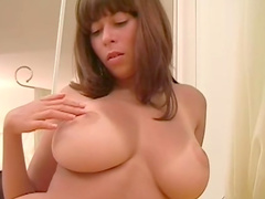 Beauty Alli is showing her big boobies