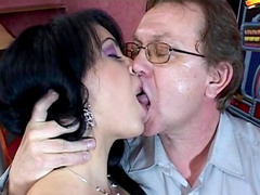 Slick brunette fuck on the dick of senior