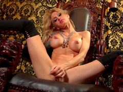 Sarah Jessie is masturbating completely naked