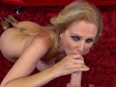 Blonde Julia gives a professional blowjob