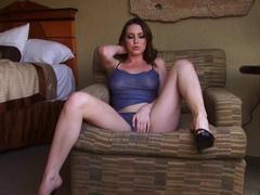 Megan Loxx suck that dildo in deepthroat mode