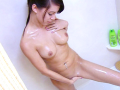 Victoria love to be naked in the bathroom