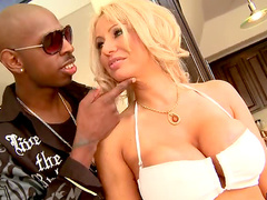 Blonde milf laid by black