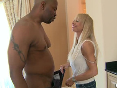 Horny hot body milf goes black