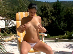 Perfect tits on outdoor solo girl
