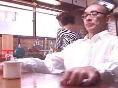 Shinobu Hosokawa swallows cum after drinking tea
