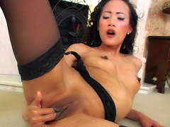 Brunette from Japan Ayla Sky bangs her sexy puss