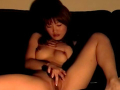 Amateur Asian chick shows her petite body