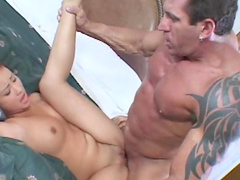 Beauty with nice smile is sucking dick of that bodybuilder