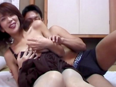 Amateur Japanese is sucking a hard pole