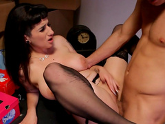 MrPete fucks with a brunette Arabelle Raphael
