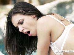 Henessy endures outdoor interracial anal