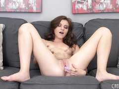 Hot Young Emma Stoned Masturbating LIVE