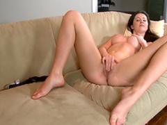 Brunette pornstar Orlenda bangs her shaved pussy