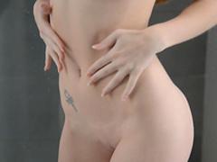 Cute babe Kortny is demonstrating her naked body