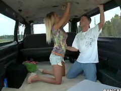 Blonde teen gives car BJ