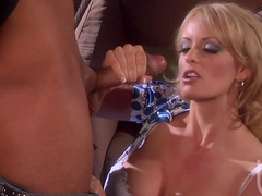 Blonde Stormy Daniels makes a perfect blowjob