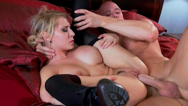 blonde-glamor-fuck