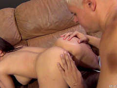 Hot straight model Porno Dan and long dick in her mouth